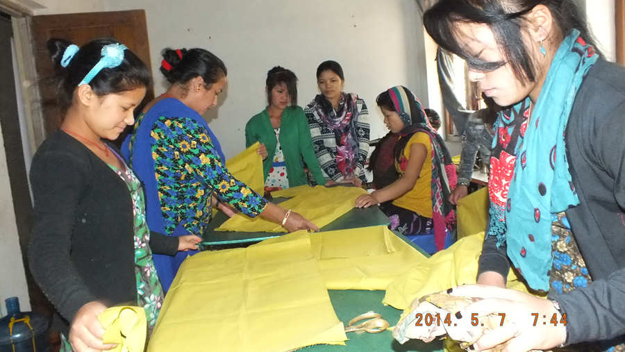 jhf 2014 girls cutting  cloth